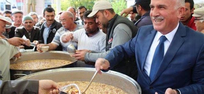 Yeşilhisar Belediyesi Aşure İkramı ve Yeni Araçların Açılış Töreni