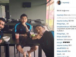 Barcelona'nın Brezilyalı futbolcusu Neymar ve Arda
