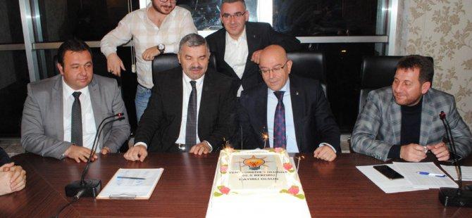 AK PARTİ KAYSERİ'DE PASTALI KUTLAMA
