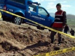 Pınarbaşı'nda İzinsiz Kazı Yaparken Yakalandılar
