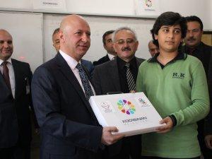Kocasinan'dan öğrencilere materyal dağıtım töreni düzenlendi
