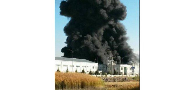 Organize Sanayi'de Kağıt Fabrikası Alev Alev Yandı