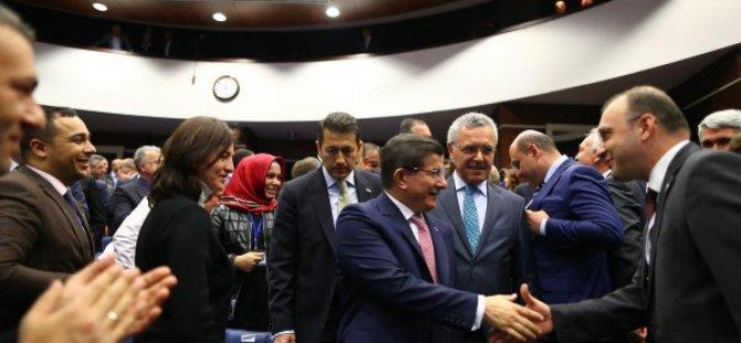 Başbakan Davutoğlu Osmaniye il başkanını tebrik etti