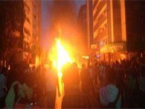 İzmir'de Gezi Parkı Olayları Polis Müdahale Etti