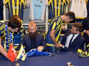 Fenerbahçe'nin yıldızları Adana'da taraftarlarıyla buluştu