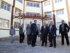 OSMANLI MAHALLESİ'NDEKİ 32 DERSLİKLİ OKULDA TEKNİK İNCELEME GEZİSİ