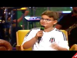 Beşiktaşlı Minik Muhammed canlı yayında adamlık dersi verdi Video