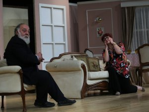 Büyükşehir'de Aile Saadeti' adlı tiyatro gösterisi sahnelendi