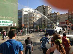 Kayseri Ak Parti Binası Önünde Gezi Parkı Eylemi