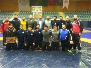 Kayseri Şekerspor Güreş takımı Konya'dan galibiyetle döndü