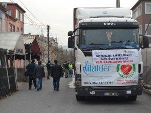 BAYIRBUCAK TÜRKMENLERİNE 1 TIR DOLUSU YARDIM GÖNDERİLDİ