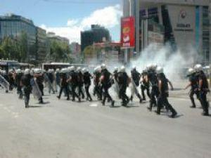 Ankara Kızılay Karıştı! Taksim Gezi Parkı Eylemi
