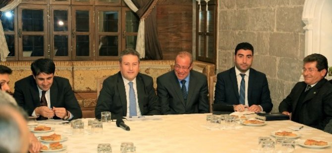 Talas'ta Müteahhitlerle İstişare Toplantısı