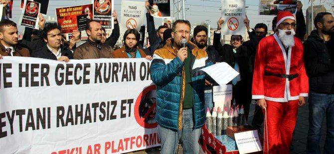 KAYSERİ'DE NOEL BABALI 'NOELE HAYIR' PROTESTOSU