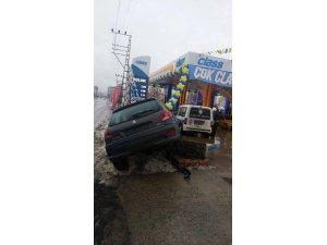 Organize Dağ yolunda Trafik kazası