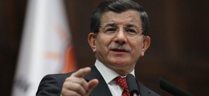 Davutoğlu, Almanya'da Türk vatandaşları ile bir araya geldi