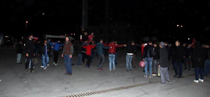 KAYSERİ TERMİNALİ'NDE ASKER YOĞUNLUĞU