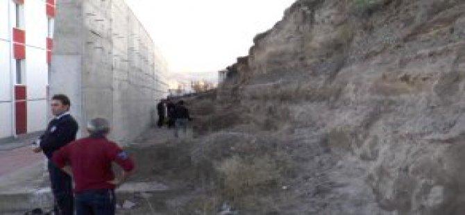 Kayseri Kazım Karabekir'de Göçük Altında Kalan Çocuk Öldü
