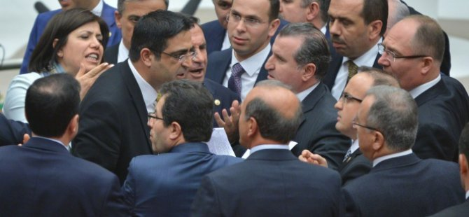 AK Parti ve HDP'li vekiller TBMM'de birbirine girdi