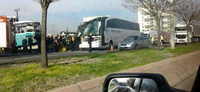 Kayseri'de Halk Otobüsü ve Yolcu Otobüsü Çarpıştı: 1 Ölü