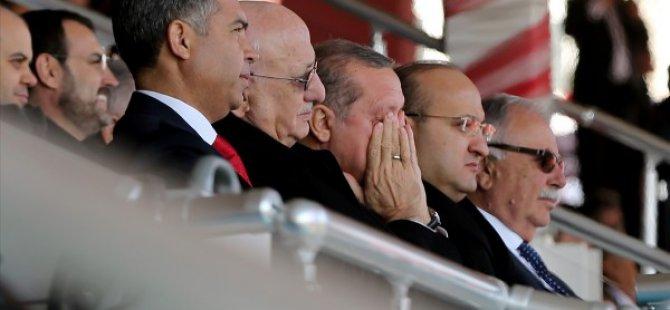 Erdoğan,Asya'ya ait ''Dua'' şiirinde gözyaşlarını tutamadı
