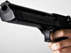 Polis memuru, eski eşi ile yanındaki arkadaşını vurarak öldürdü