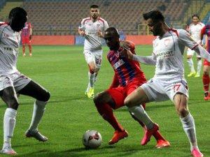 Karabükspor, Samsunspor maçında bıçaklı kavga:6 yaralı