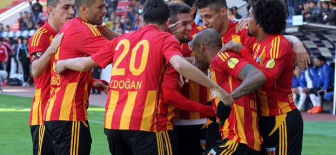 Kayserispor Başkanından futbolculara büyük jest
