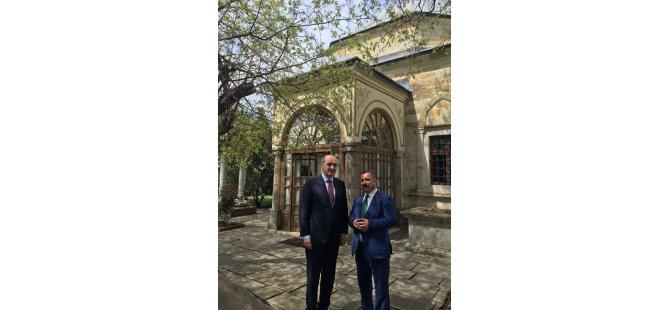 AY.Derneği Başkanı Sinan Burhan,Kurtulmuş İle Kosova'da