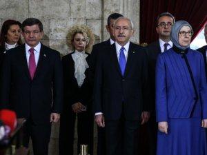 Kılıçdaroğlu ve Aile Bakanı Sema Ramazanoğlu yan yana görüntülendi