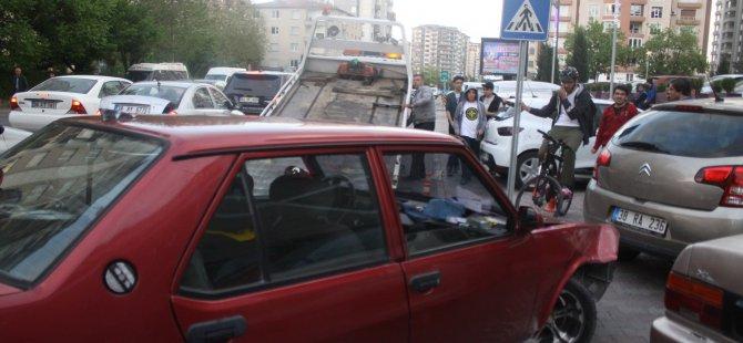 FUZULİ'DE POLİSTEN KAÇAN OTOMOBİL KAZA YAPTI