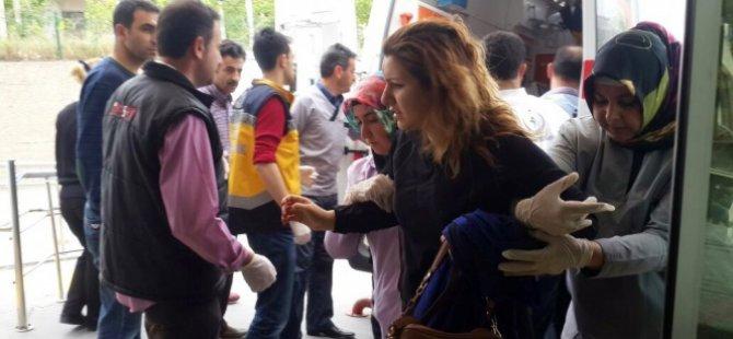 Kayseri'de Öğrencileri taşıyan minibüs devrildi: 1 ölü, 26 öğrenci yaralı