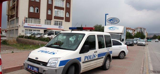 Polis, Kimse Yok Mu Derneği Kayseri Şubesi'ne baskın düzenledi