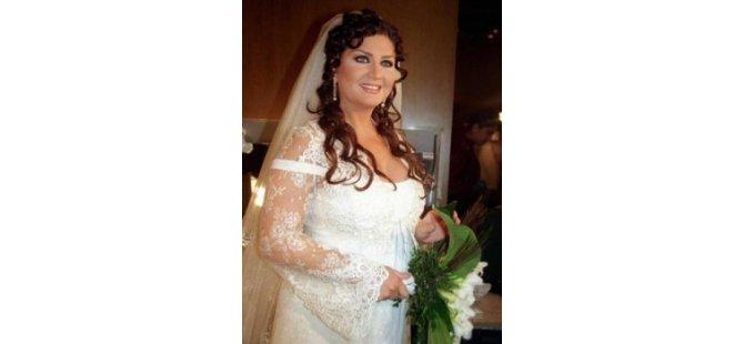 Şarkıcı Sibel Can,İngiliz işadamıyla evleniyor