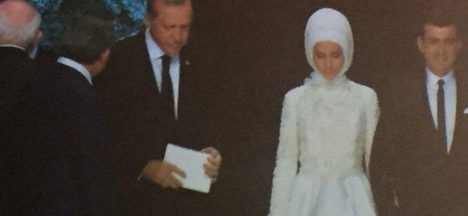 Sümeyye Erdoğan'ın Nikah cüzdanını Abdullah Gül verdi