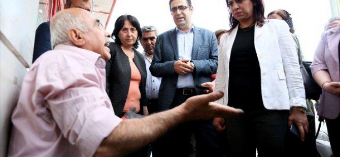 Sur'da evimizi başımıza yıktınız hainler, katiller kovulan Hdp'li vekiller