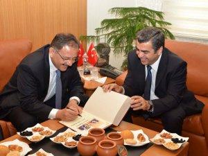 Kayseri Valisi Orhan Düzgün'ün Veda Mesajı
