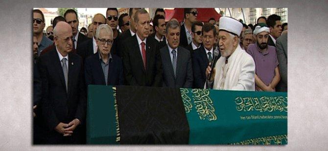 Erdoğan,Abdullah Gül ve Davutoğlu yan yana saf tuttu
