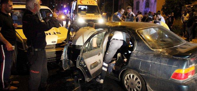 KAYSERİ'DE POLİS OTOSU İLE OTOMOBİL ÇARPİŞTI:3 YARALI