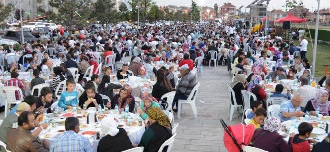 ŞEKER RAMAZAN TIR'I ŞARKIŞLA'DA YOĞUN İLGİ İLE KARŞILANDI