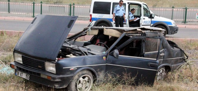 Esenyurt'ta Otomobil taktla attı: 2 yaralı