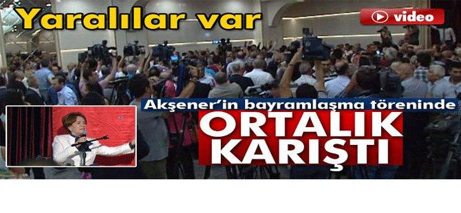 Meral Akşener'in bayramlaşma töreninde ortalık karıştı-video
