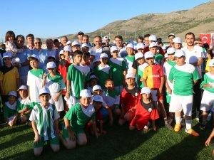 Yahyalı Belediyesi 3. yaz okulu açıldı
