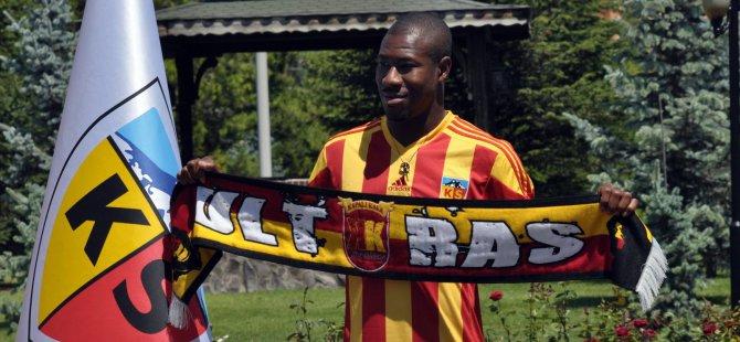 Kayserispor'un yeni yıldızı 1 yıllık sözleşme imzaladı