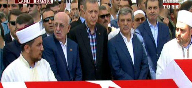 Erdoğan ve Abdullah Gül cenazede yan yana
