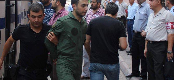 Kayseri'de Gözaltındaki 53 asker doktor kontrolünden geçirildi
