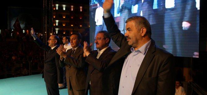 Başkan Çelik demokrasi nöbetini terk etmiyor