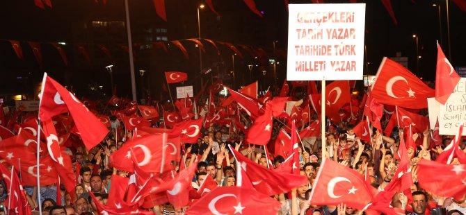 Kayseri'de demokrasi nöbetinin yedinci günü