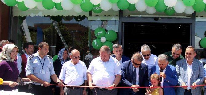 Kilim Mağazası'nın Sivas Caddesi Şubesi dualarla açıldı