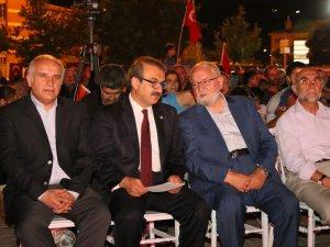 HACILAR'DA DEMOKRASİ ŞEHİTLERİ ANMA GECESİ